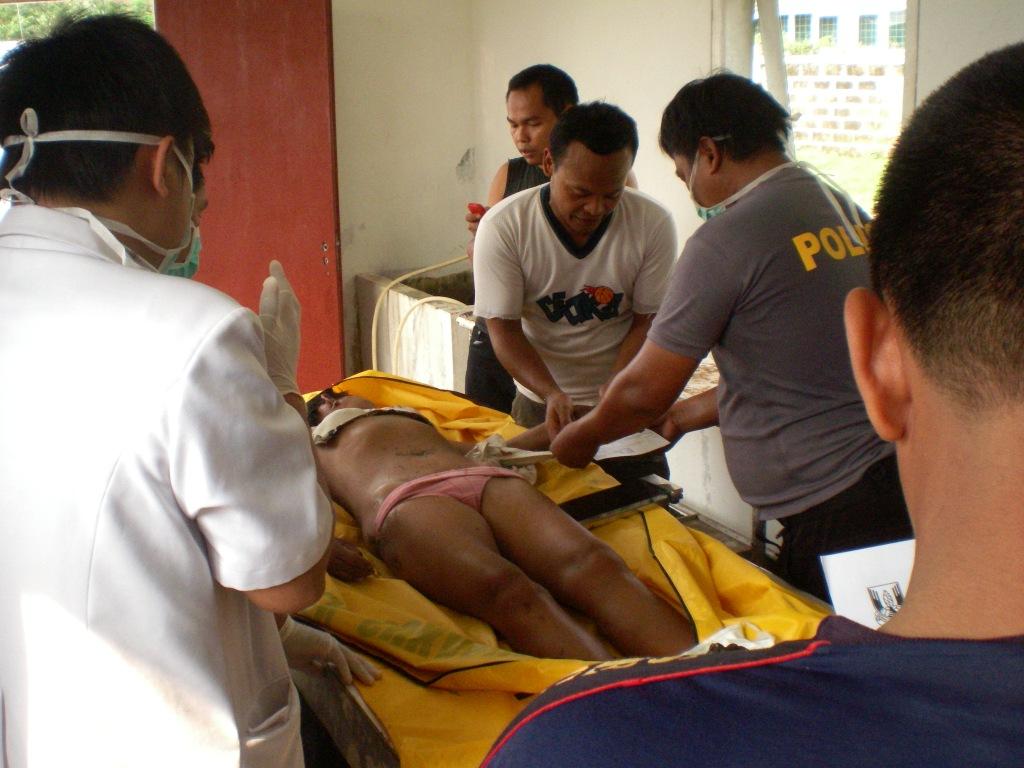 mayat tanpa identitas ditemukan di pantai istana presiden