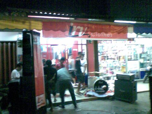 IRV Clothes Distro hadir di Jalan Siliwangi Palabuhanratu