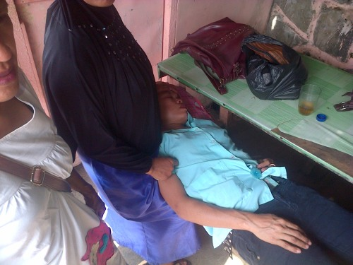 Salah satu korban kesurupan buruh PT Nina di Parungkuda