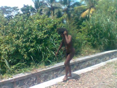 Orang gila tanpa busana yang berkeliaran dikawasan kawasan wisata Palabuhanratu