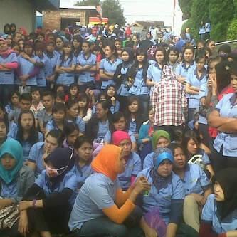 Aksi Demo PT Dasan Pan Pasific Indonesia