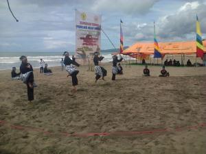 Kejuaraan Pencak Silat Pantai KPSN Sukabumi Open 2014 di kawasan wisata pantai Sukawayana.