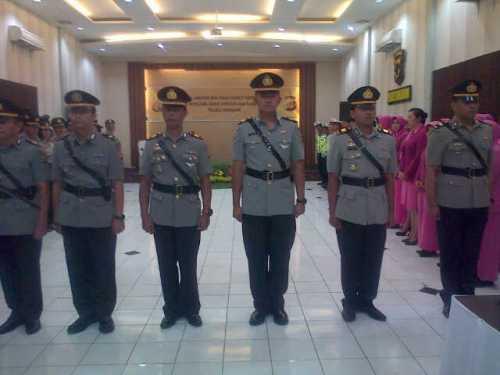 Pelantikan enam perwira di jajaran Polres Sukabumi. Senin 22/12/2014. Di aula mako Polres Sukabumi di Palabuhanratu oleh Kapolres Sukabumi AKBP A. Edi Suheri