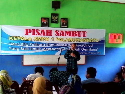 Kepala Sekolah SMP Negeri I Palabuhanratu Unang Darmawan di gantikan oleh Asep Suwardi