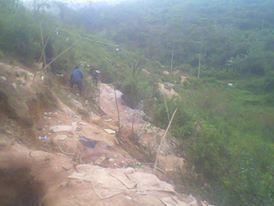 perkebunan Surangga desa Cigaru yang dijadikan areal tambang bagi penambang emas ilegal di razia dan ditutup