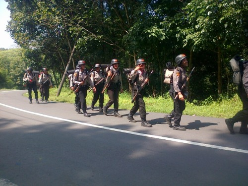 Rangkaian diklat yang harus diikuti tiap siswa dengan berjalan kaki menempuh jarak sejauh 80 km dari markas Stukpa Sukabumi hingga Palabuhanratu