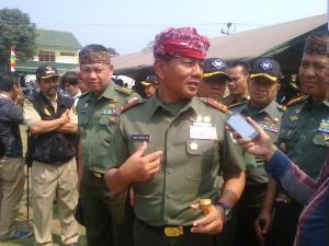 Pangdam III/Siliwangi Mayjen Hadi Prasojo  usai upacara pembukaan kegiatan TMMD