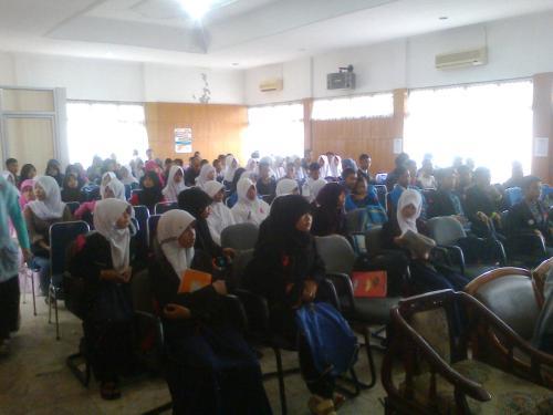 Para siswa yang mengikuti Seminar Pelajar Peduli AIDS di Pendopo Kabupaten Sukabumi