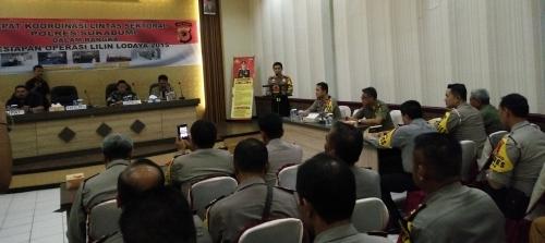Rapat Koordinasi lintas sektoral Polres Sukabumi dalam rangka kesiapan operasi lilin lodaya 2015 serta pengamanan Natal 2015 dan tahun baru 2016 (Photo : Palabuhanratu Online)