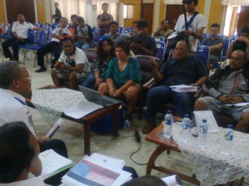 Forum masyarakat peduli pantai karang pamulang bertemu langsung dengan DIshub provinsi Jawa Barat di aula Stda Kabupaten Sukabumi. ( Photo Palabuhanratu Online)