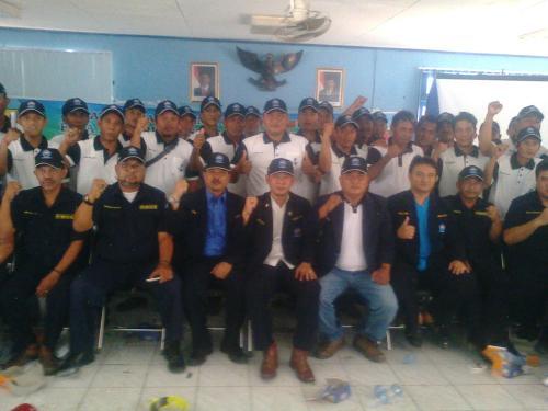 Dewan Pimpinan Cabang Himpunan Nelayan Seluruh Indonesia (HNSI) Kabupaten Sukabumi lakukan rapat kerja bersama para pengurus dan fungsionaris rukun nelayan (Photo : Palabuhanratu Online)