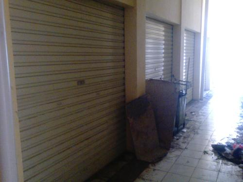 Kios Pasar Semi Moderen Palabuhanratu yang kurang diminati oleh para pedagang (Photo : Palabuhanratu Online)