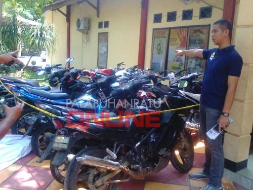 DIAMANKAN : Sebanyak 21 kendaraan berbagai merek berhasil diamankan dari 32 TKP oleh Satreskrim Polres Sukabumi (Photo : Palabuhanratu Online)