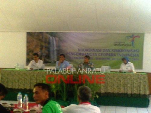 Rapat koordinasi dan sinkronisasi pengembangan geopark Foto : Palabuhanratu Online