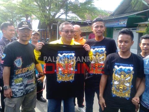 Bupati Sukabumi Marwan Hamami membuka langsung kegiatan sosial yang dilakukan XTC Palabuhanratu Foto : Palabuhanratu Online