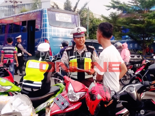 Operasi Simpatik Lodaya 2016 yang berlangsung di Pos Lantas TPI Palabuhanratu Foto : Palabuhanratu Online