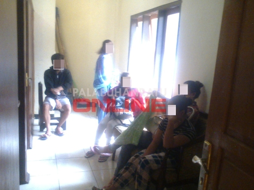 Empat wanita dan satu orang pria diamankan pihak Sat Narkoba Polres Sukabumi Foto : Palabuhanratu Online